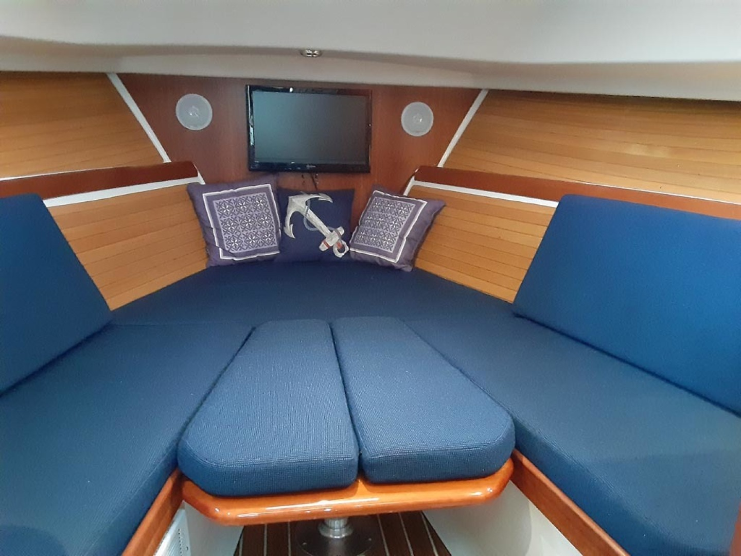 Back Cove-Express 2007-Patronus Cape Coral-Florida-United States-Table Converts To V Berth-1596418 | Thumbnail