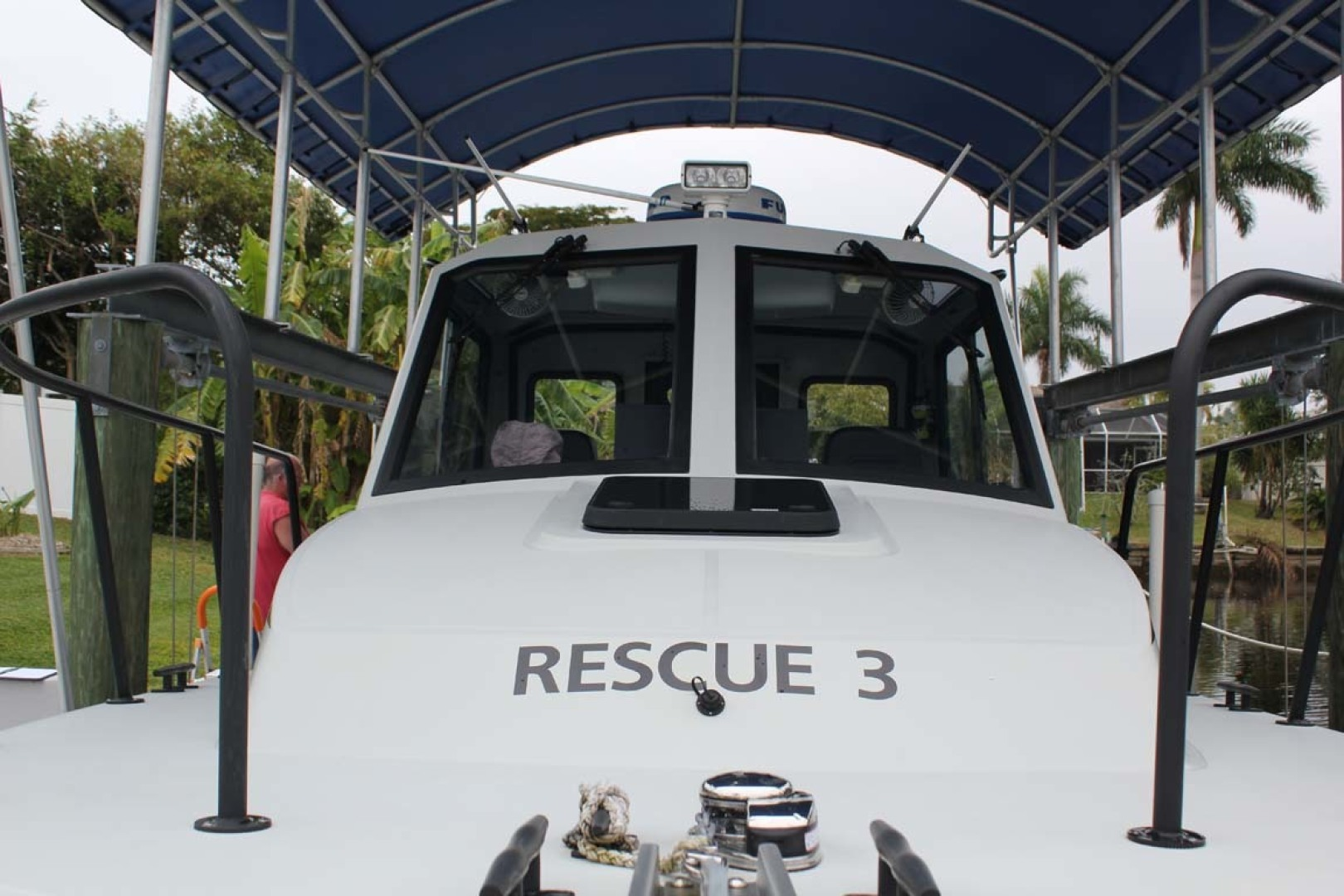 Boston Whaler-Challenger 2016-Rescue 3 Cape Coral-Florida-United States-Fix Mounted Windshield-1596494 | Thumbnail