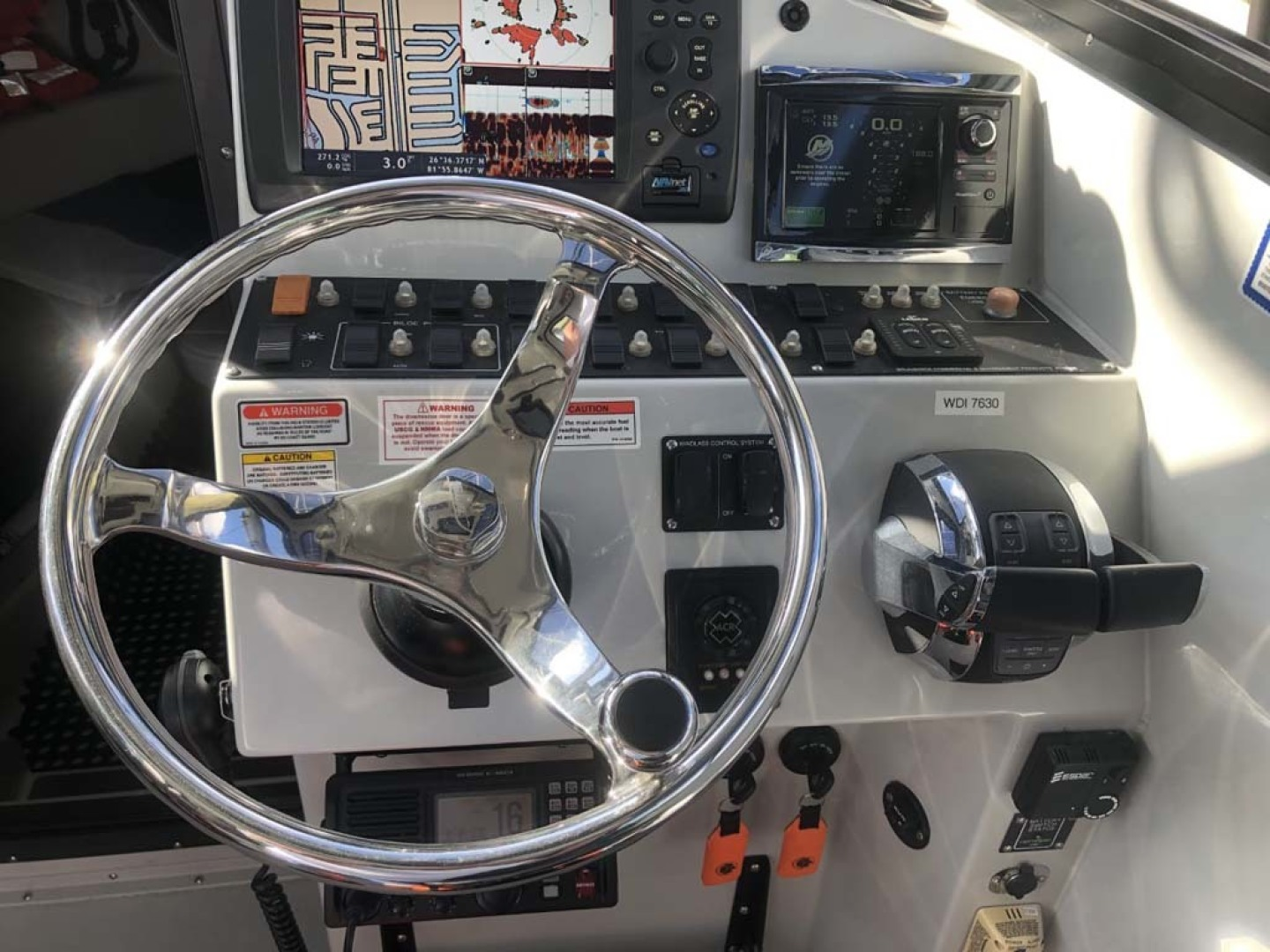 Boston Whaler-Challenger 2016-Rescue 3 Cape Coral-Florida-United States-Helm-1596486 | Thumbnail