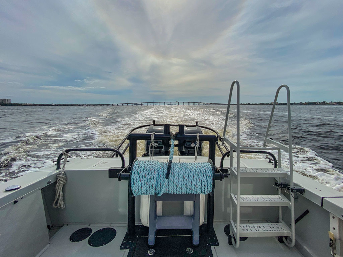 Boston Whaler-Challenger 2016-Rescue 3 Cape Coral-Florida-United States-Transom-1603202 | Thumbnail