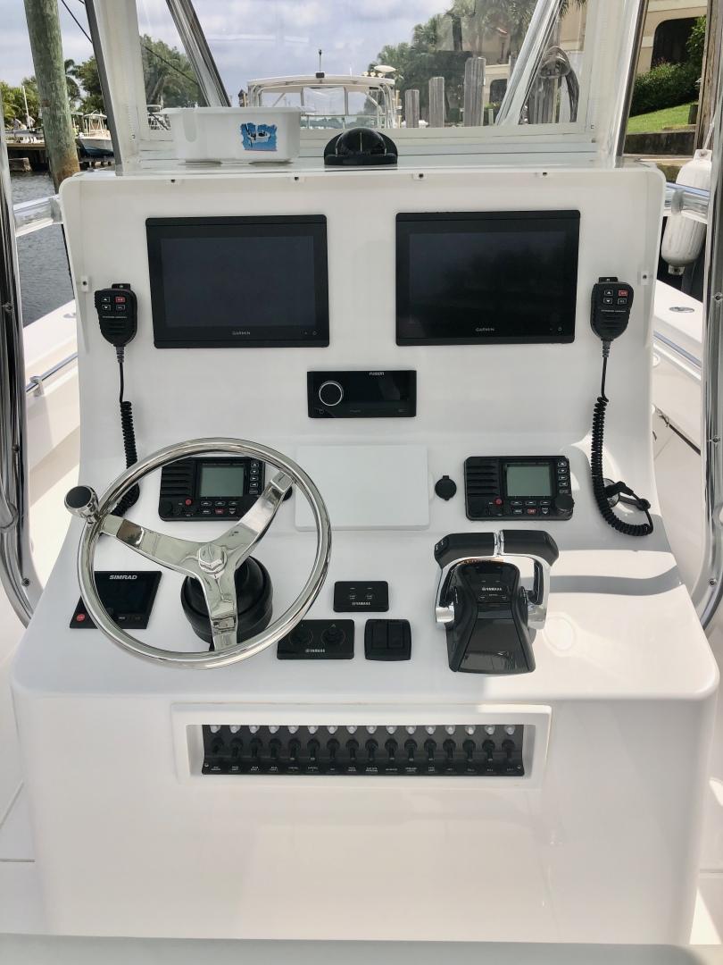 Contender-30 ST 2020-Alexa Ann II United States-1597087 | Thumbnail