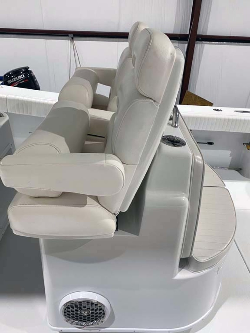 Yellowfin-Center Console 2005-Depth Collector Lenox-Georgia-United States-Helm Seats-1598798 | Thumbnail