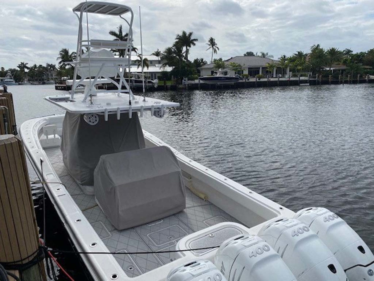 Invincible-Center Console 2016-Lucky Dick Lighthouse Point-Florida-United States-Aft View With Helm Covers-1600145 | Thumbnail