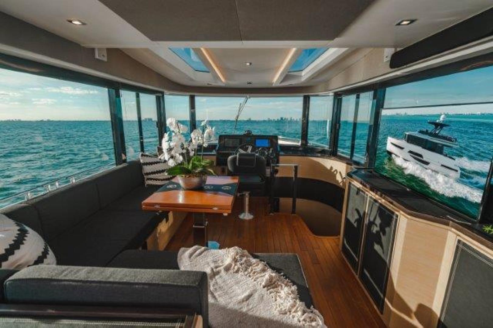Okean-Flybridge 2019-VEDGE Miami-Florida-United States-Lower Helm-1600173 | Thumbnail