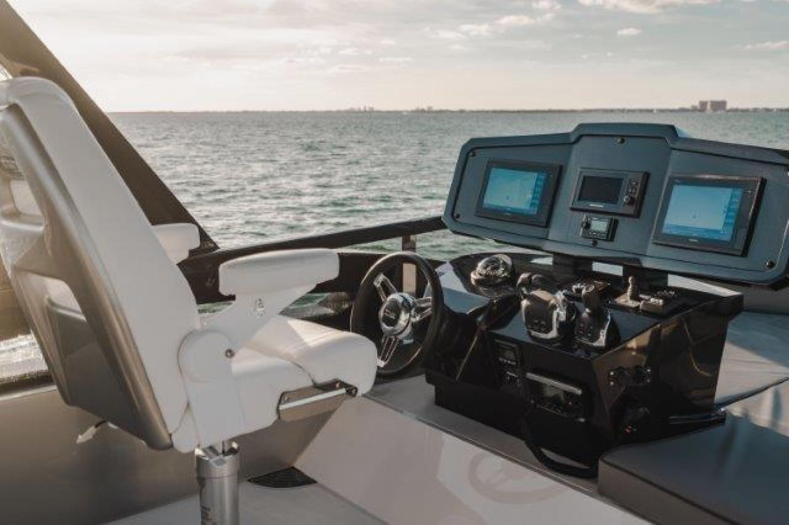 Okean-Flybridge 2019-VEDGE Miami-Florida-United States-Helm-1600199 | Thumbnail
