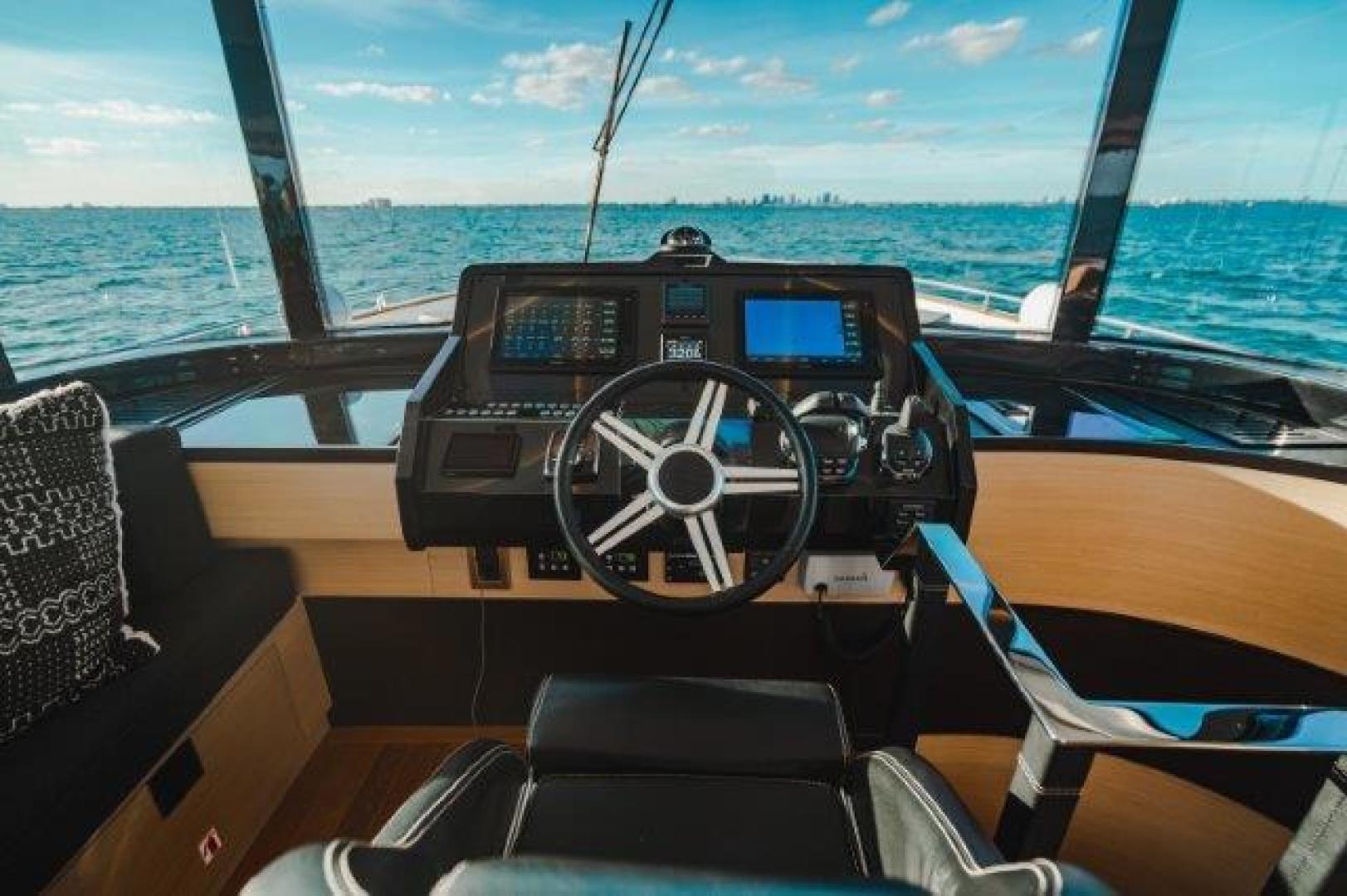 Okean-Flybridge 2019-VEDGE Miami-Florida-United States-Lower Helm-1600175 | Thumbnail