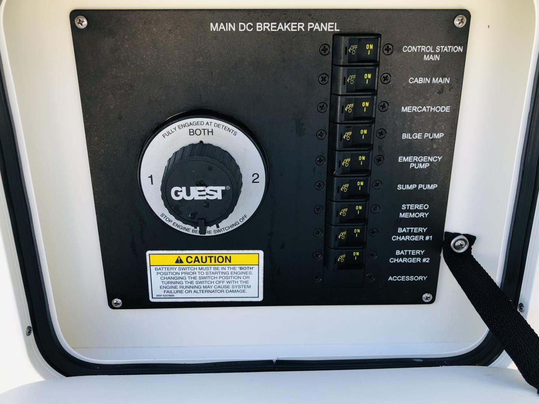 Sea Ray 2015-KREBUS Boca Raton-Florida-United States-DC Breaker Panel and Battery Switch-1604828 | Thumbnail