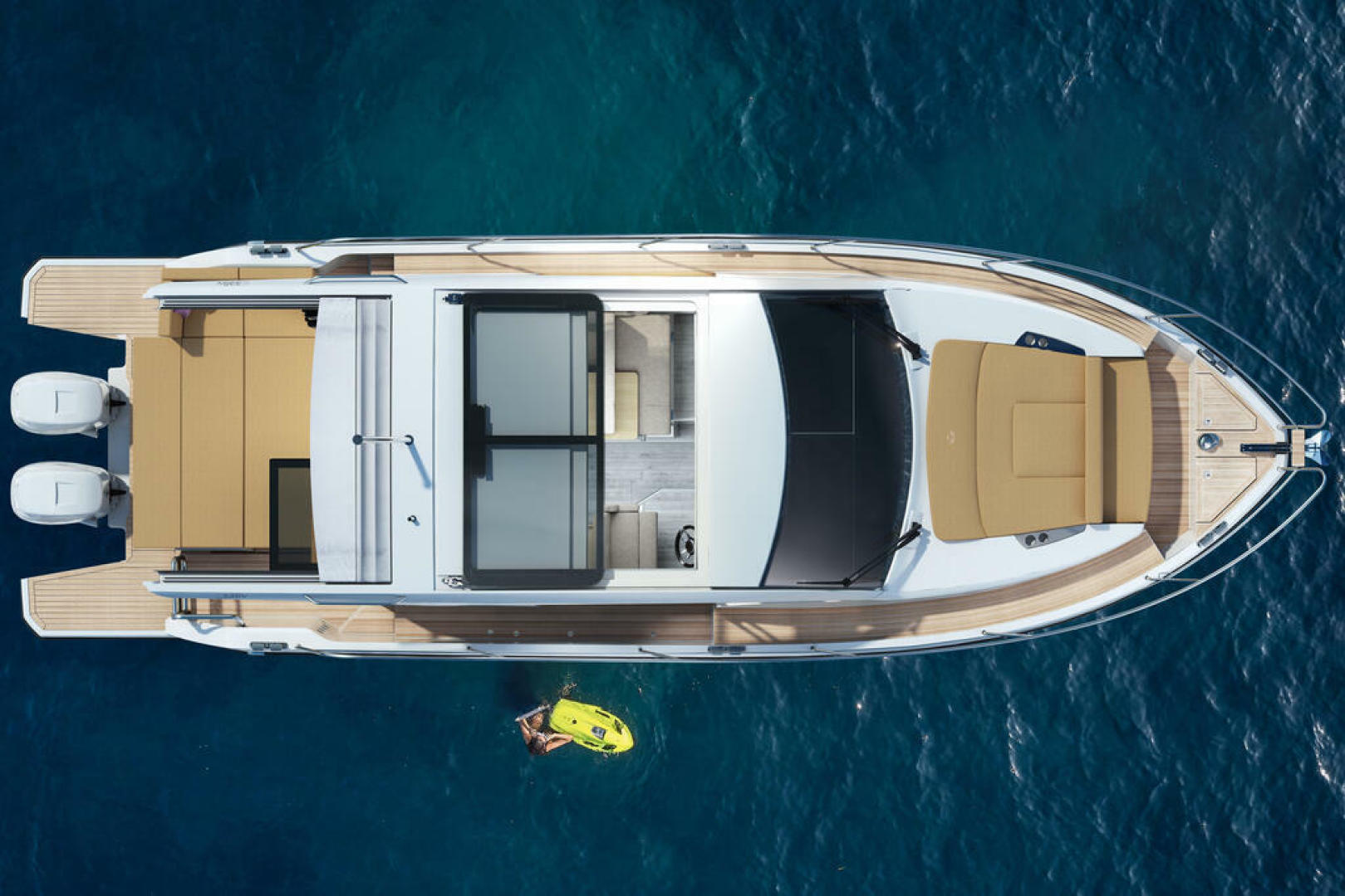 Picture Of a 2022 Sealine 33 C335v Motor Yachts | 1628189