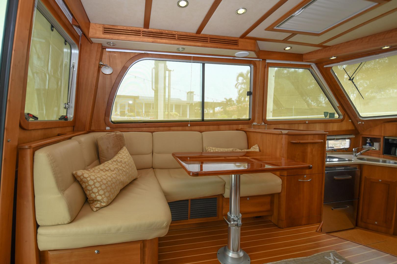 Sabre-40 Express 2010-Impulse Treasure Island-Florida-United States-2010 40 Sabre Express  Impulse  Companion Seating-1618629 | Thumbnail