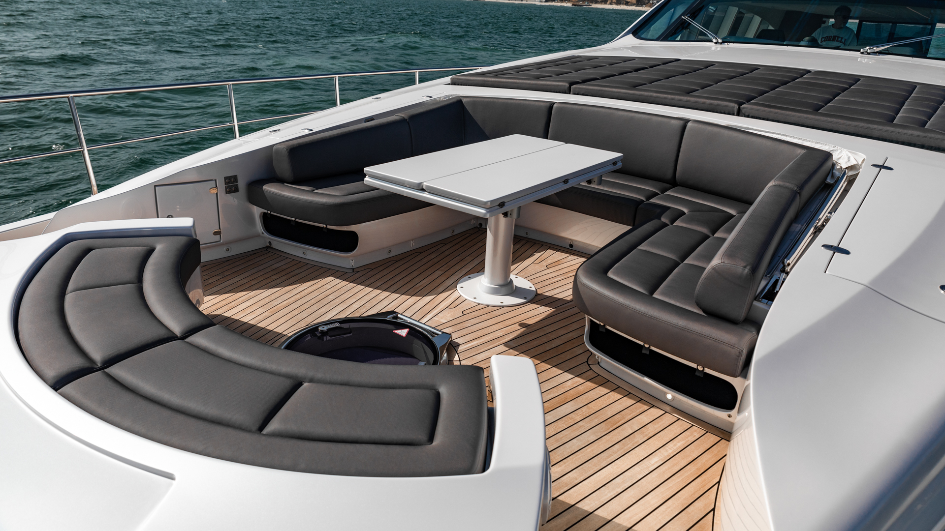 Pershing 2018-NAAV Fort Lauderdale-Florida-United States-Bow Seating -1614511