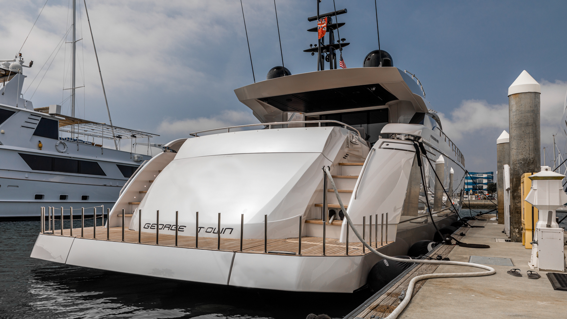Pershing 2018-NAAV Fort Lauderdale-Florida-United States-Aft Deck-1614497