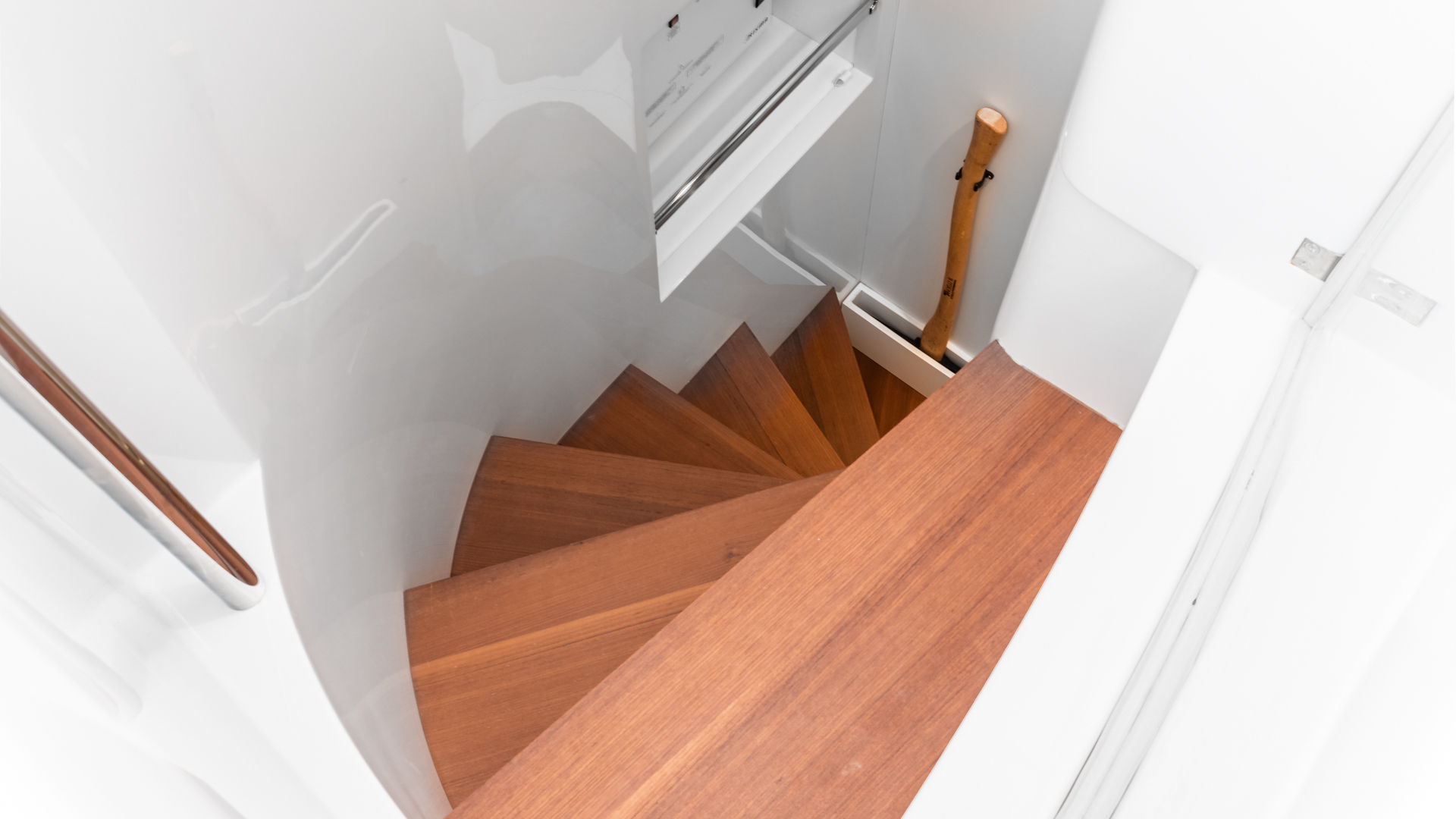 Pershing 2018-NAAV Fort Lauderdale-Florida-United States-Stairway to Crew Quarters -1614488