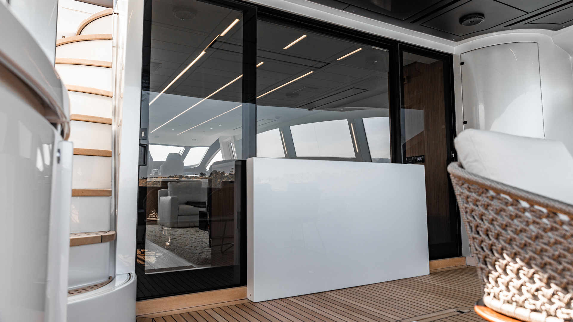 Pershing 2018-NAAV Fort Lauderdale-Florida-United States-Aft Deck -1614505