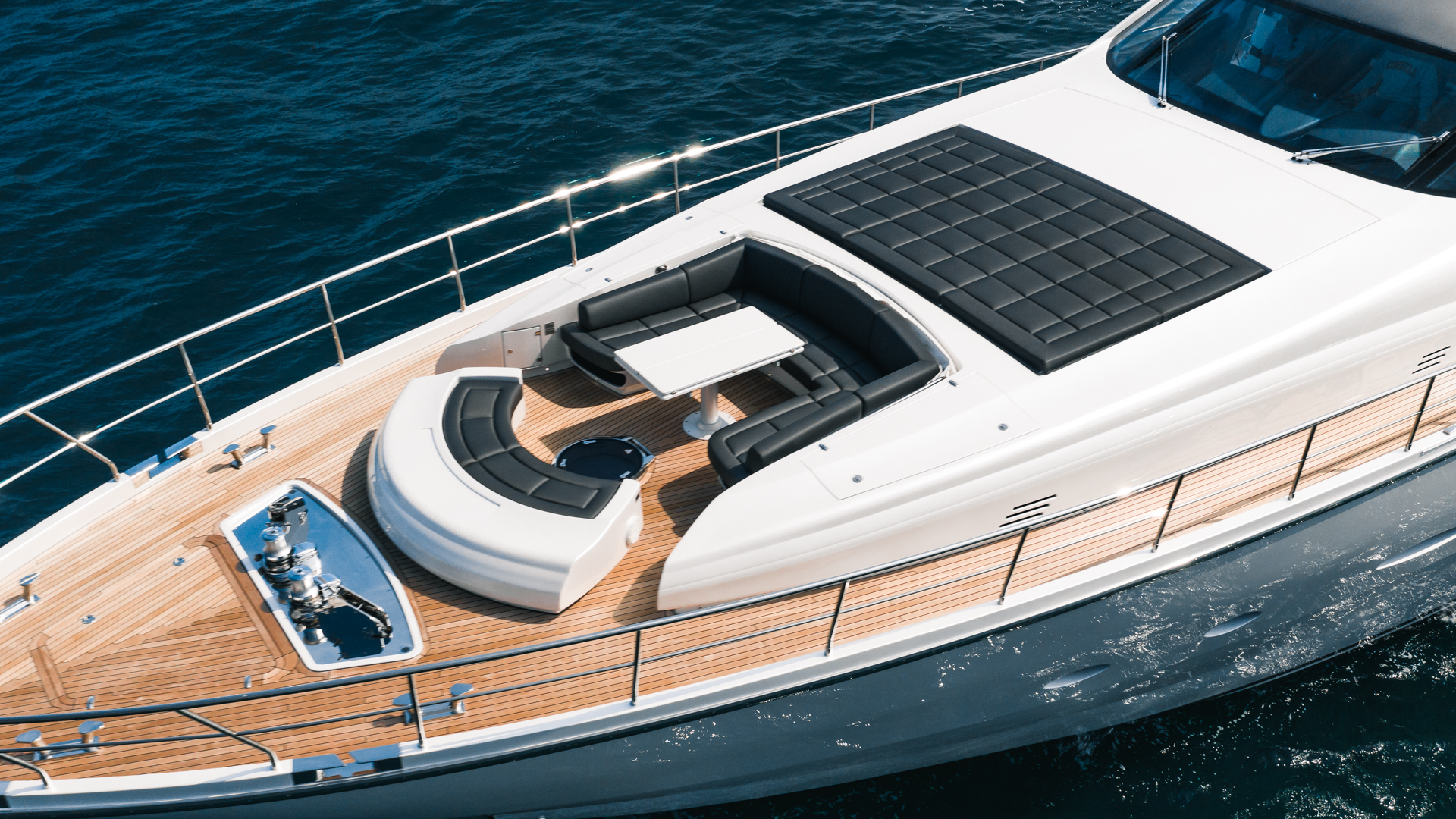 Pershing 2018-NAAV Fort Lauderdale-Florida-United States-Bow Seating-1614526