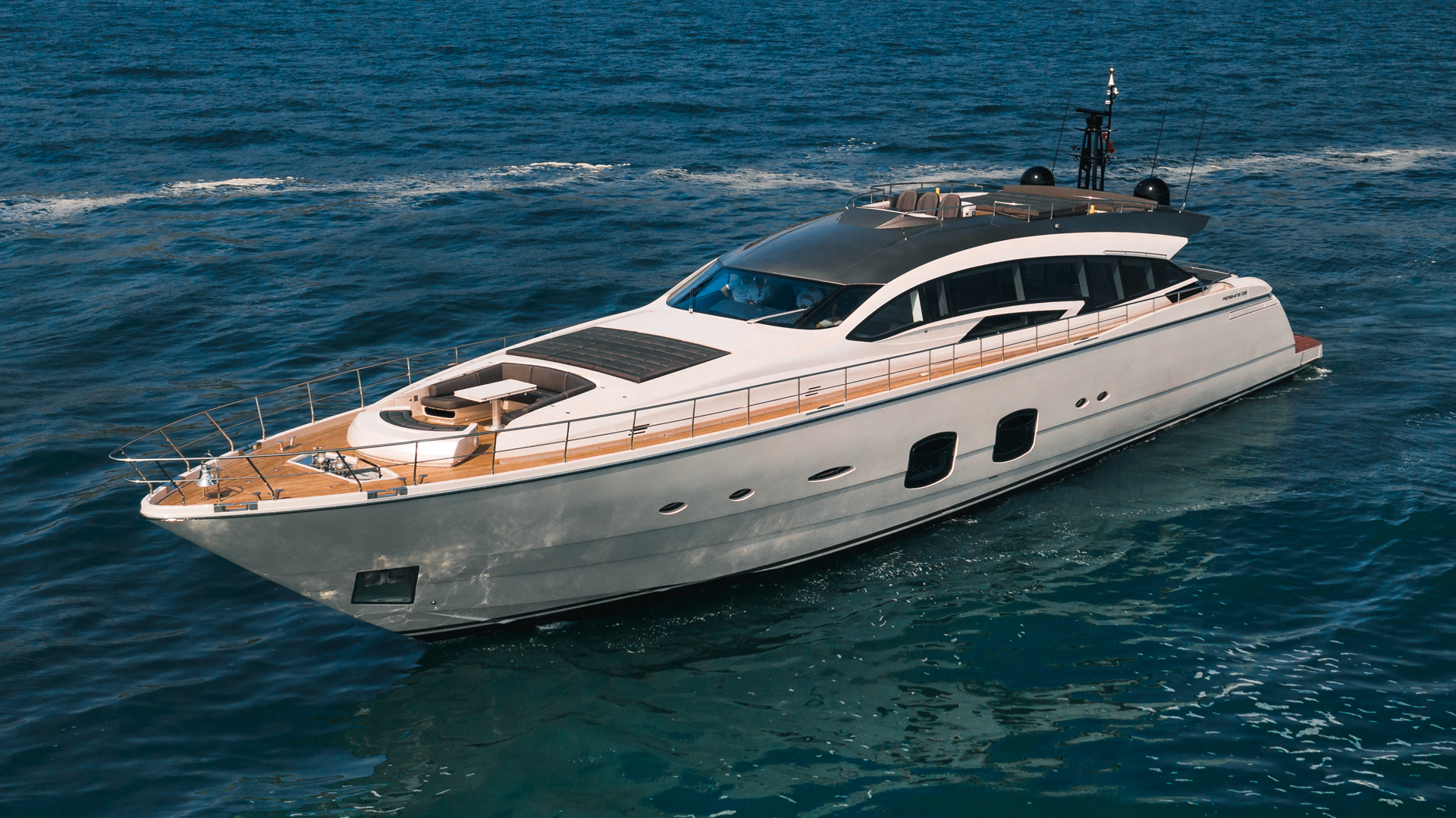 Pershing 2018-NAAV Fort Lauderdale-Florida-United States-Naav Bow-1614514