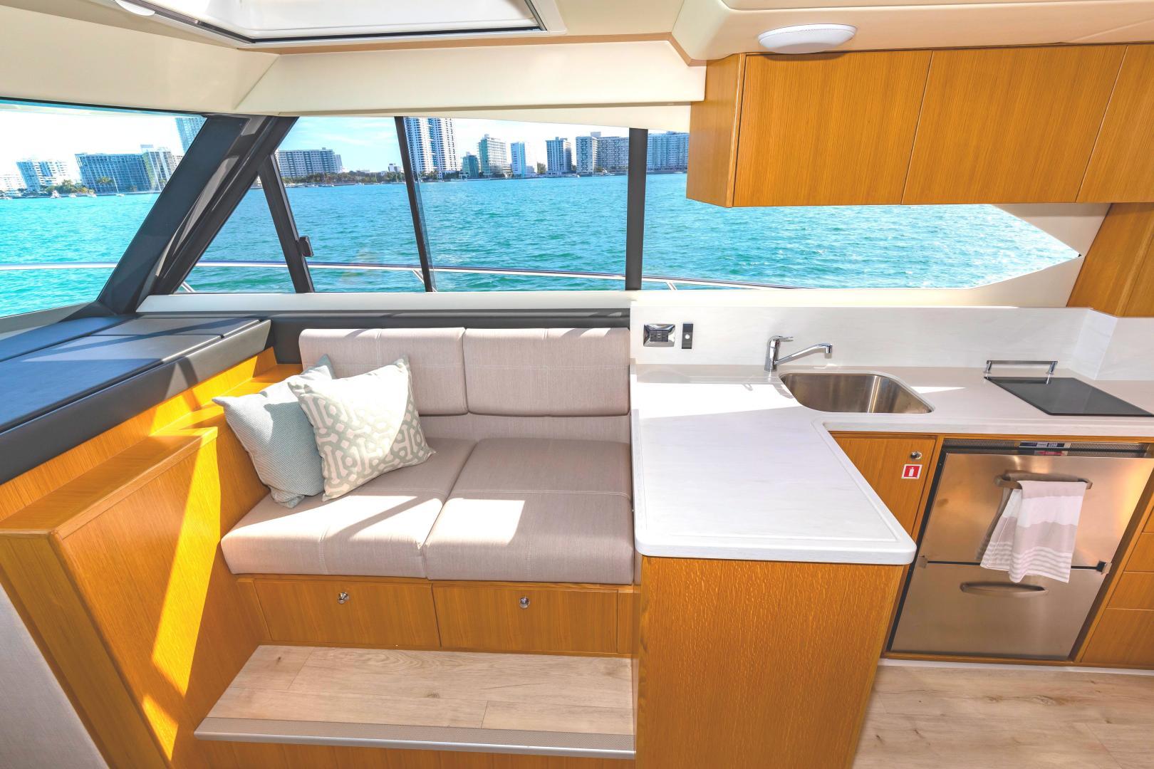 Riviera-395 SUV 2019-Ipanema Miami Beach-Florida-United States-1614916   Thumbnail