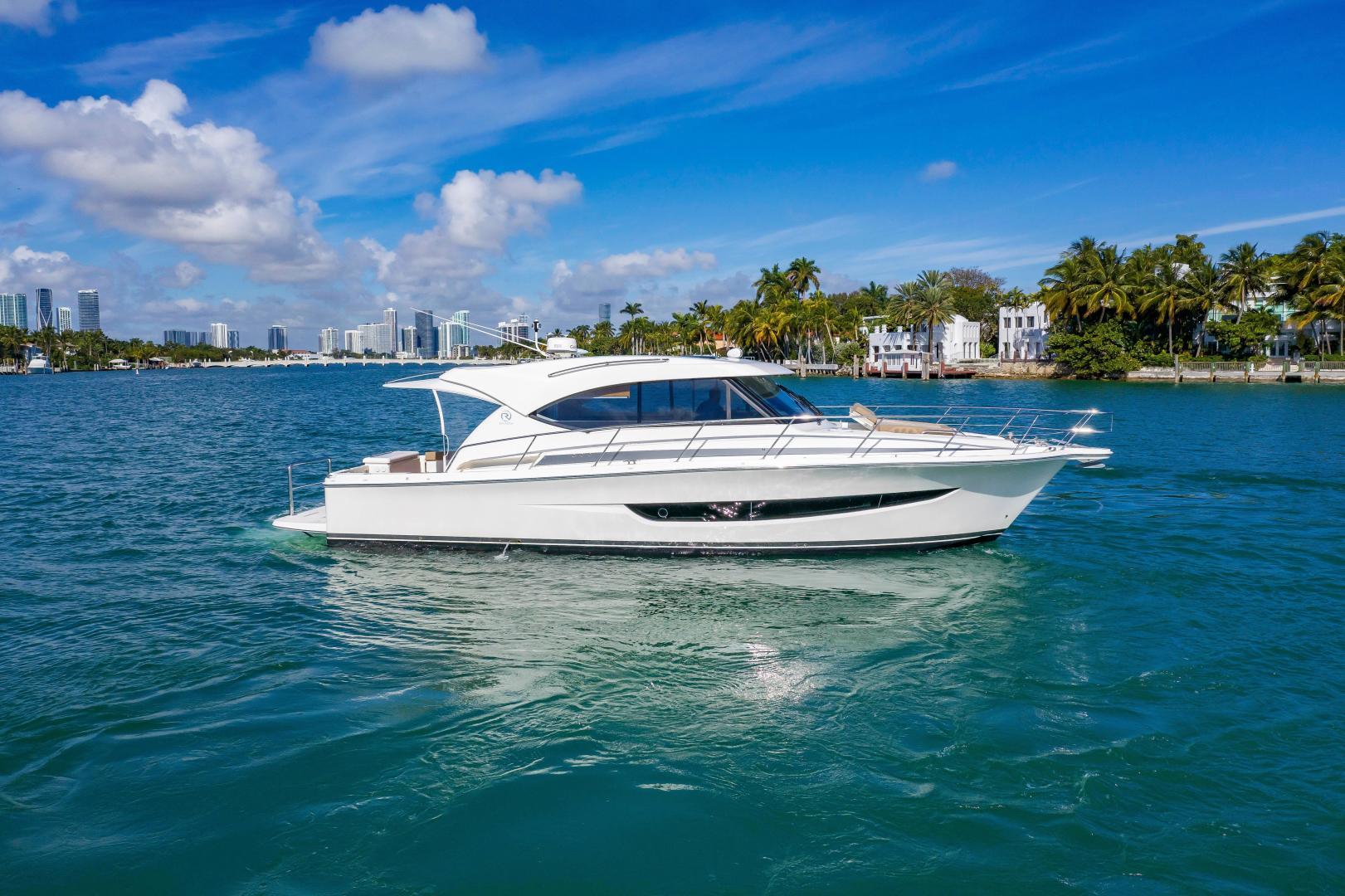 Riviera-395 SUV 2019-Ipanema Miami Beach-Florida-United States-1614870   Thumbnail