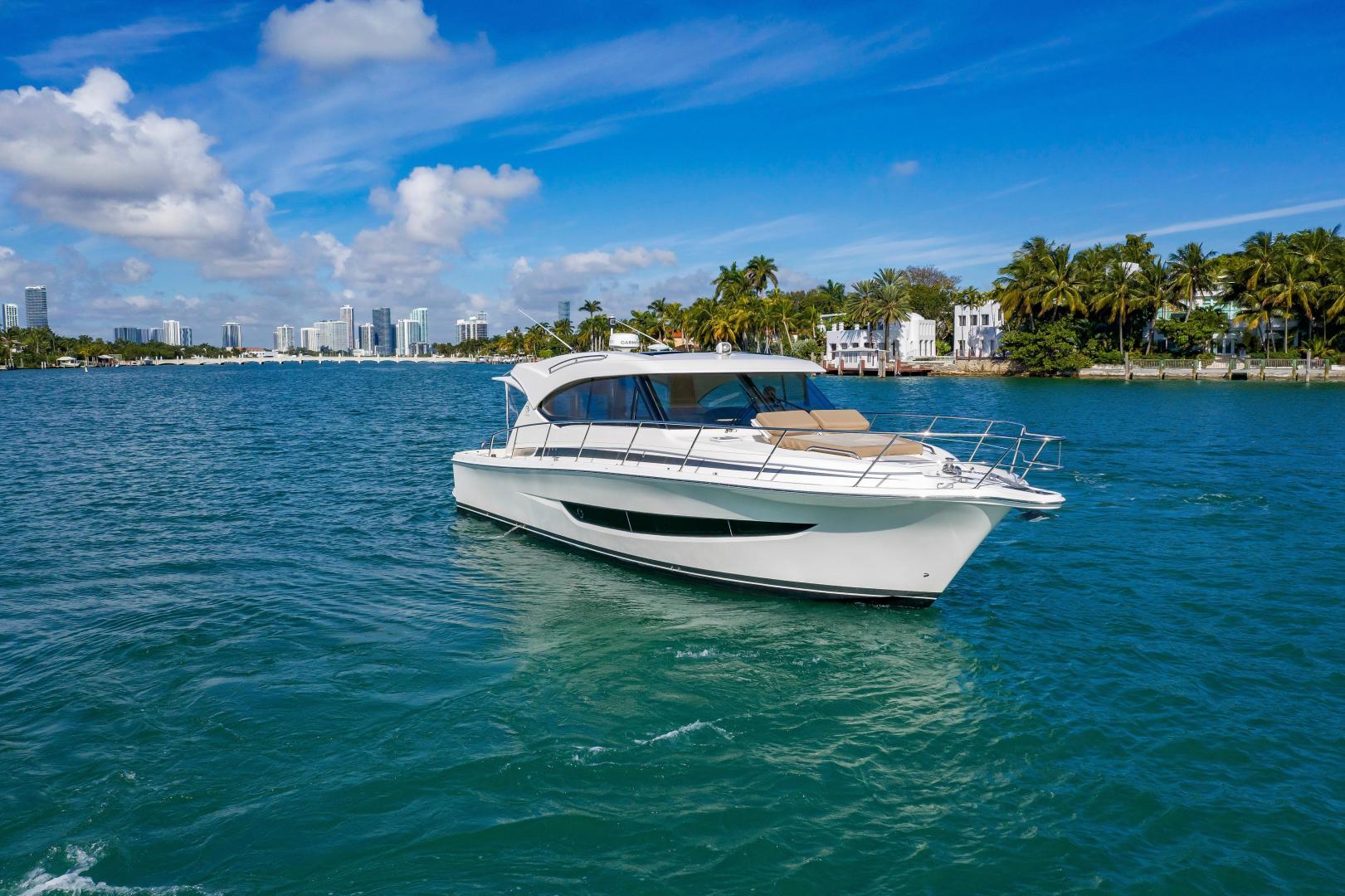 Riviera-395 SUV 2019-Ipanema Miami Beach-Florida-United States-1614868   Thumbnail