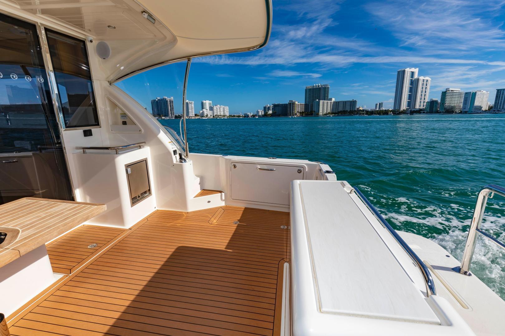 Riviera-395 SUV 2019-Ipanema Miami Beach-Florida-United States-1614883   Thumbnail