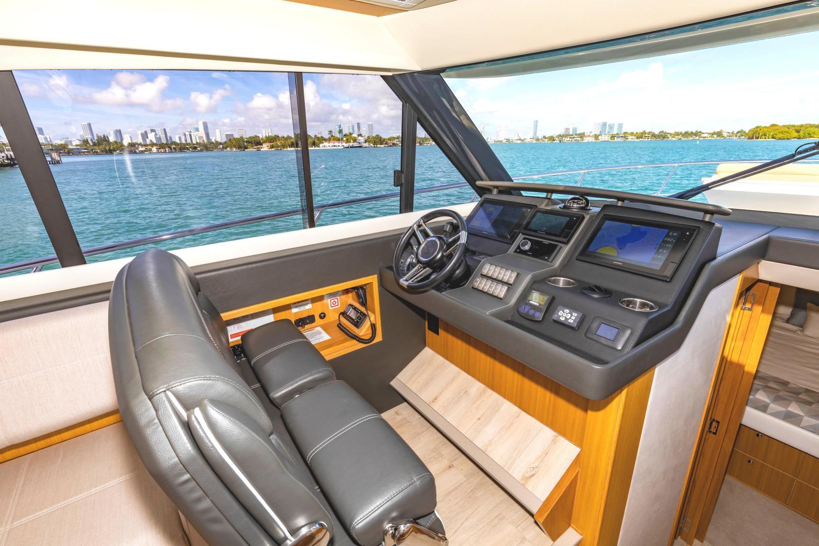 Riviera-395 SUV 2019-Ipanema Miami Beach-Florida-United States-1614906   Thumbnail