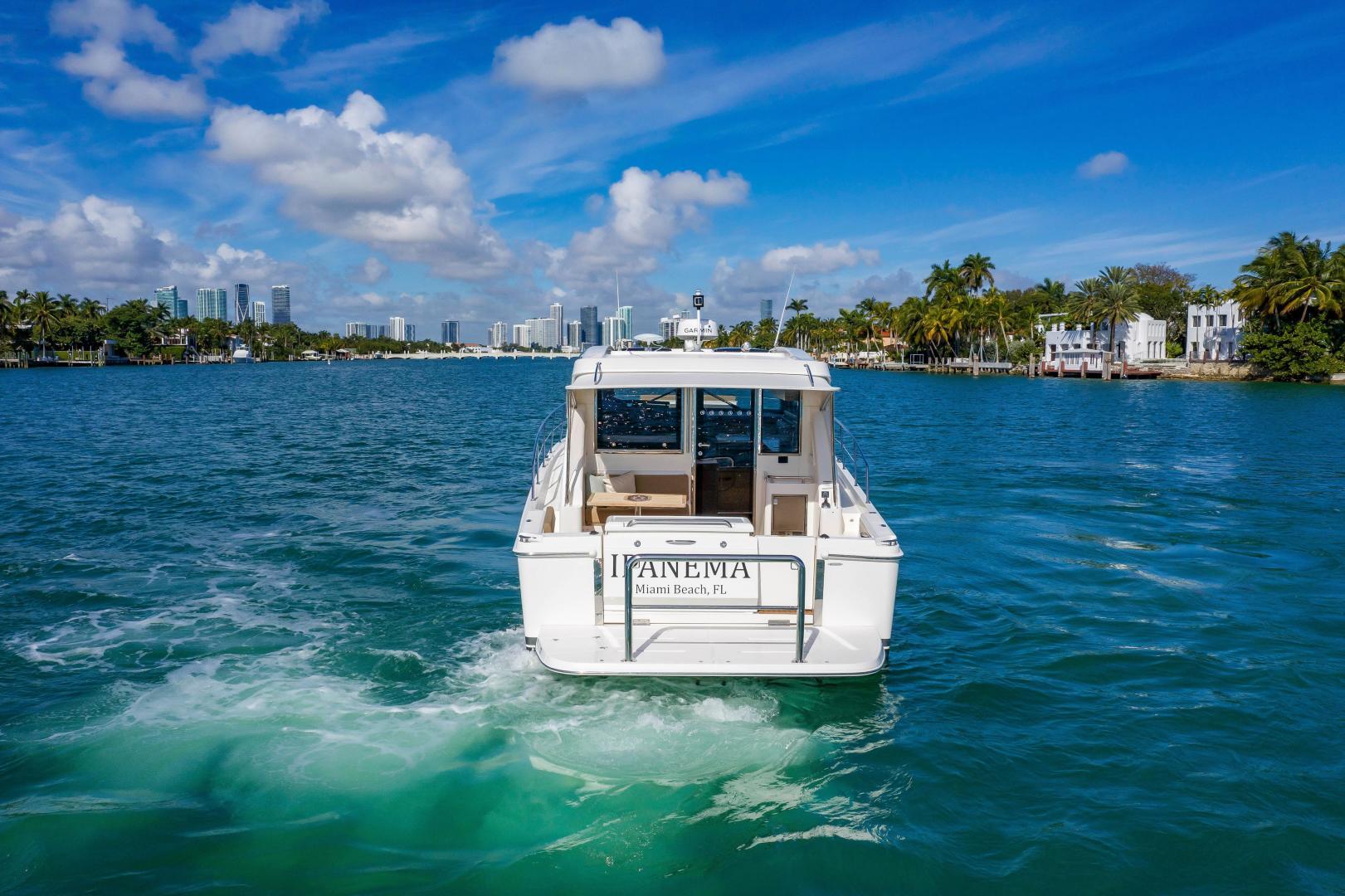 Riviera-395 SUV 2019-Ipanema Miami Beach-Florida-United States-1614872   Thumbnail