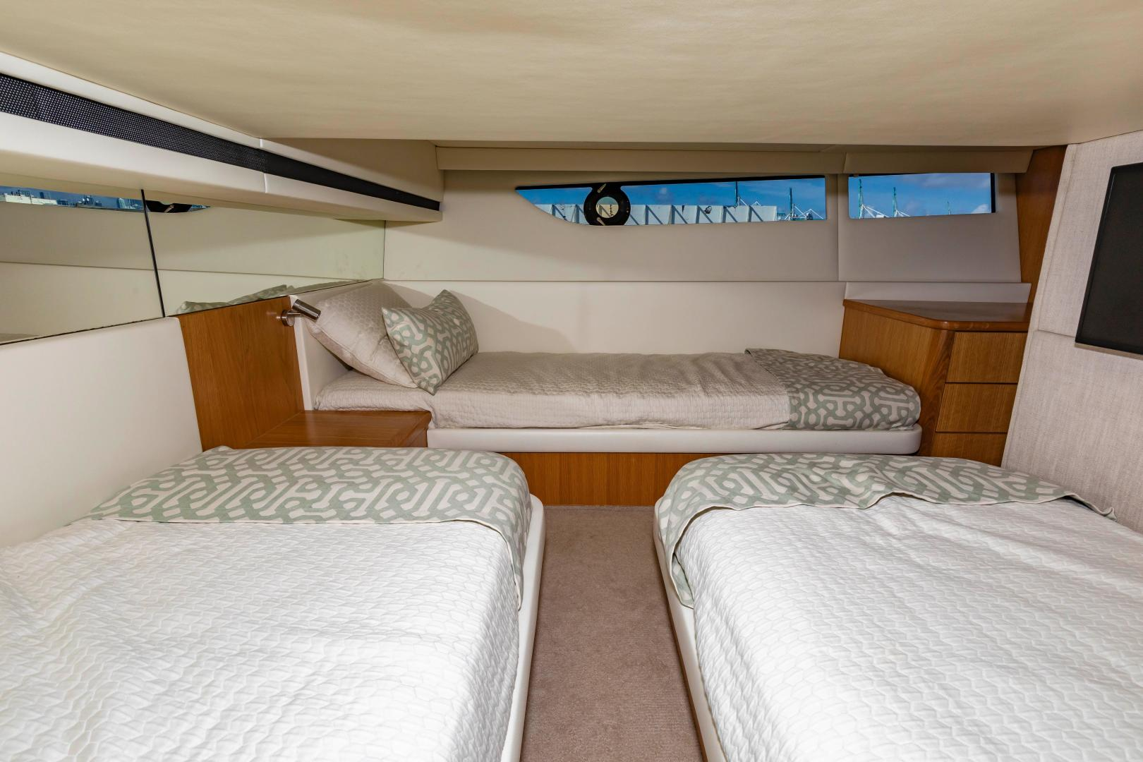 Riviera-395 SUV 2019-Ipanema Miami Beach-Florida-United States-1614914   Thumbnail