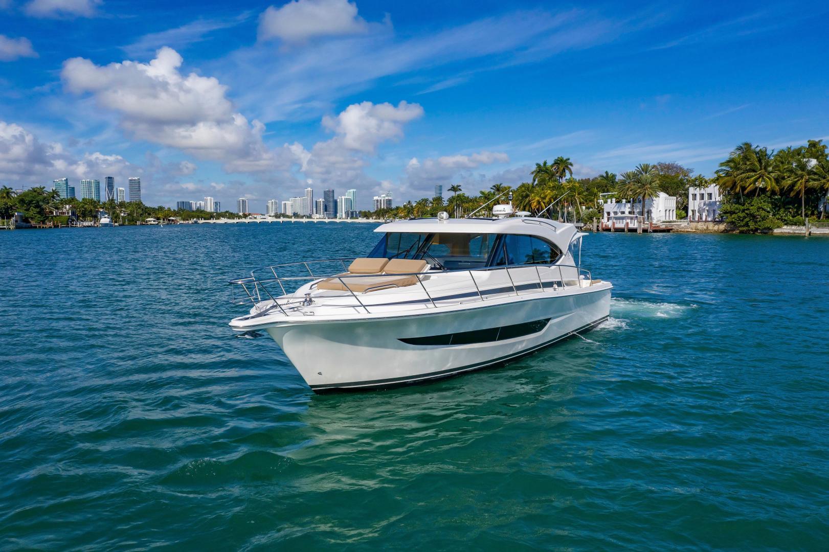 Riviera-395 SUV 2019-Ipanema Miami Beach-Florida-United States-1614865   Thumbnail