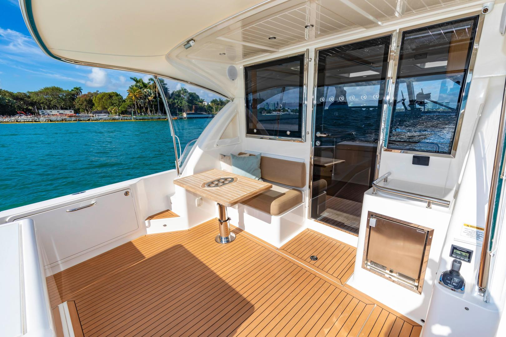 Riviera-395 SUV 2019-Ipanema Miami Beach-Florida-United States-1614881   Thumbnail