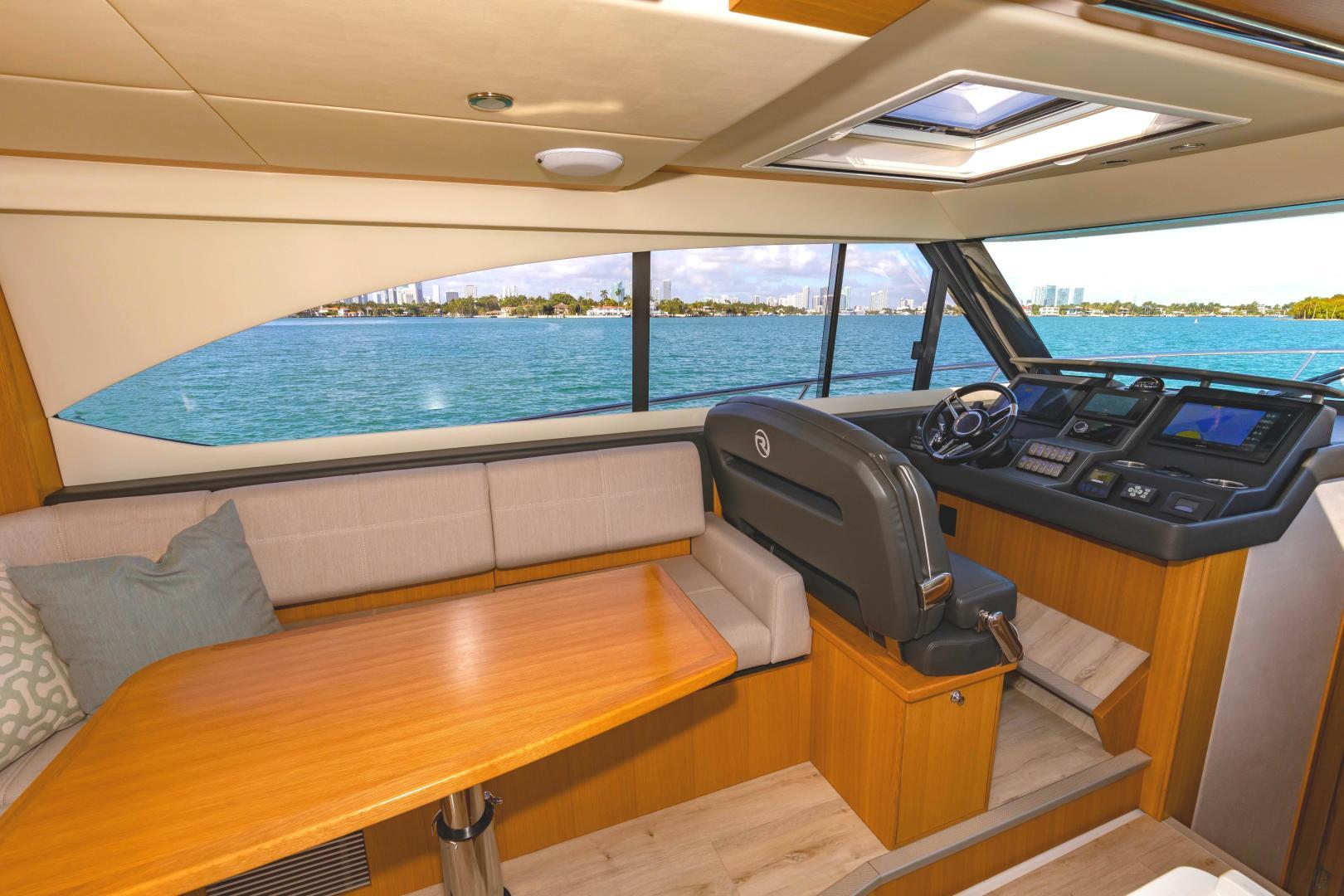 Riviera-395 SUV 2019-Ipanema Miami Beach-Florida-United States-1614904   Thumbnail