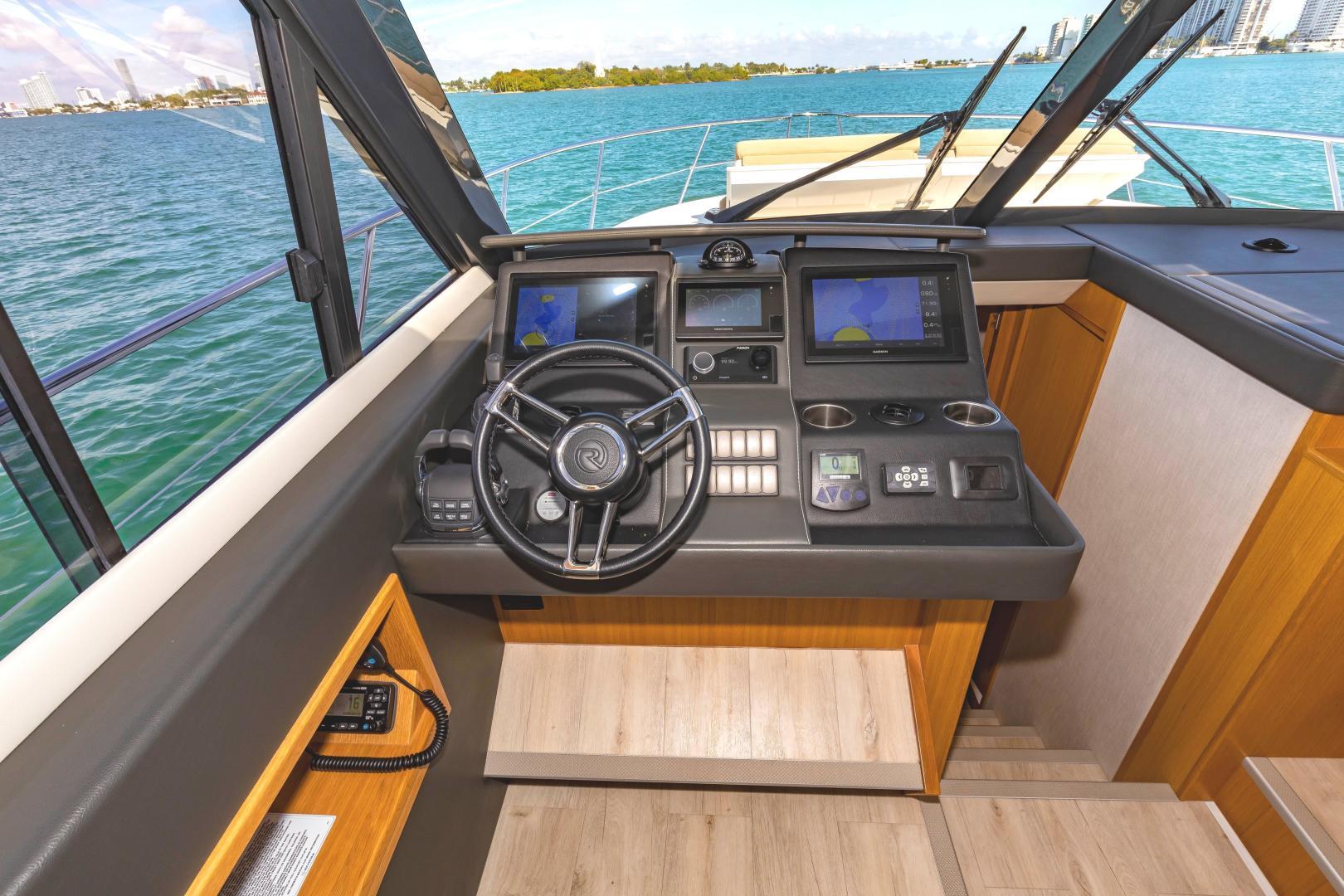 Riviera-395 SUV 2019-Ipanema Miami Beach-Florida-United States-1614907   Thumbnail