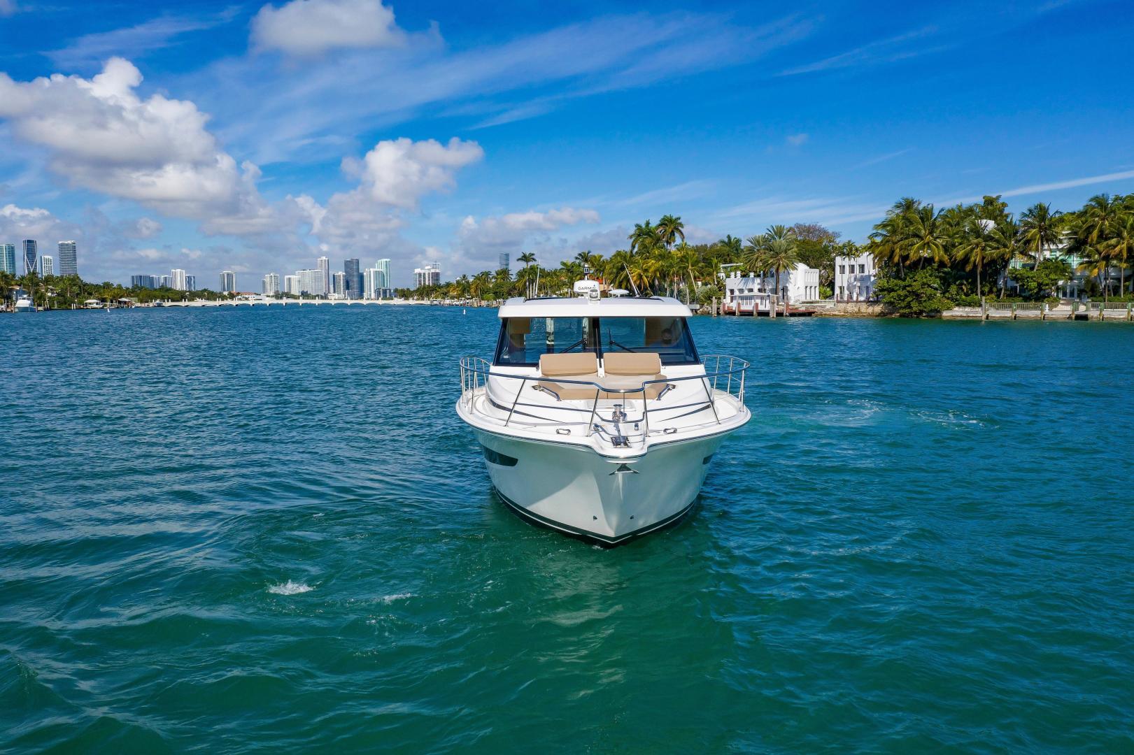 Riviera-395 SUV 2019-Ipanema Miami Beach-Florida-United States-1614867   Thumbnail