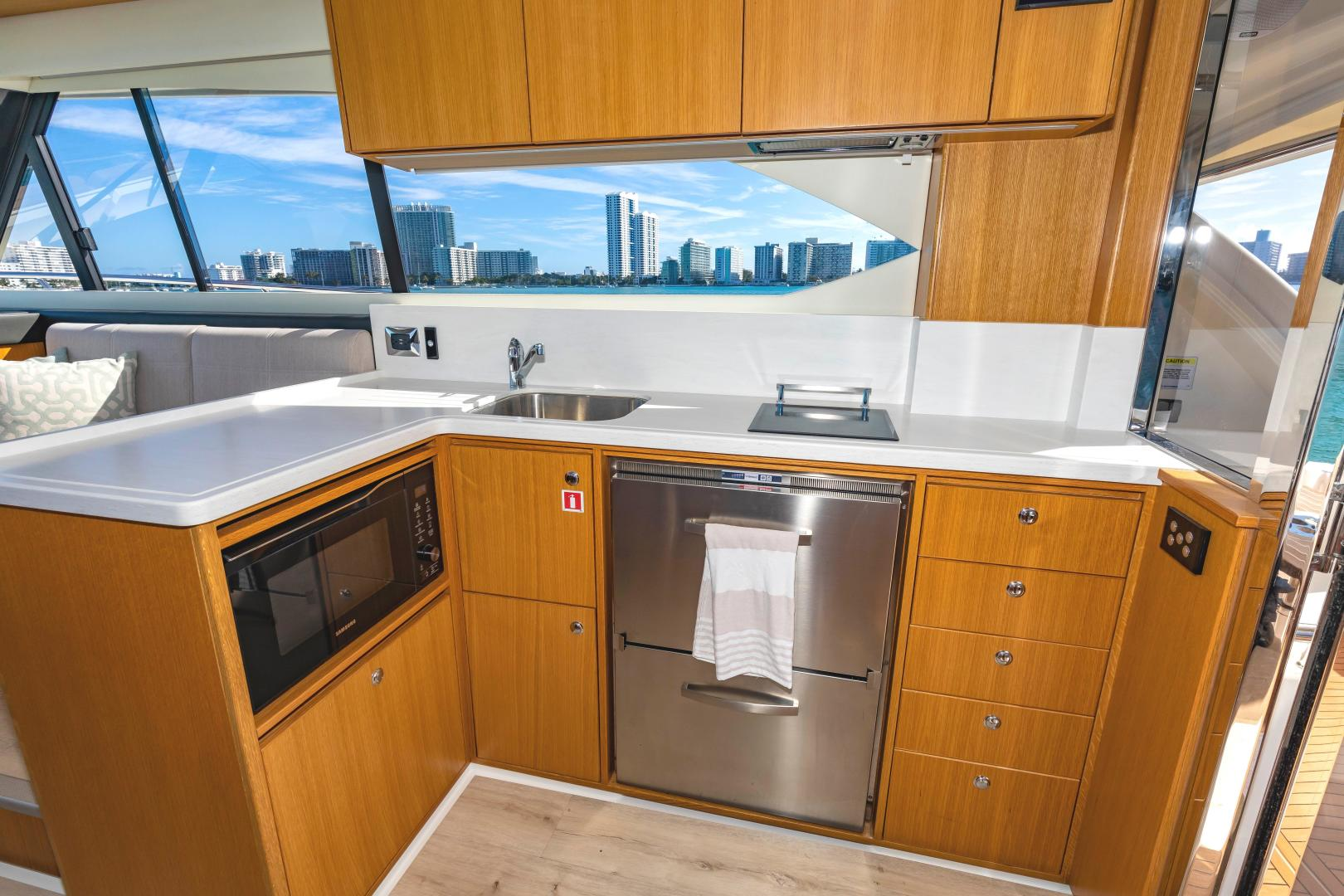 Riviera-395 SUV 2019-Ipanema Miami Beach-Florida-United States-1614901   Thumbnail
