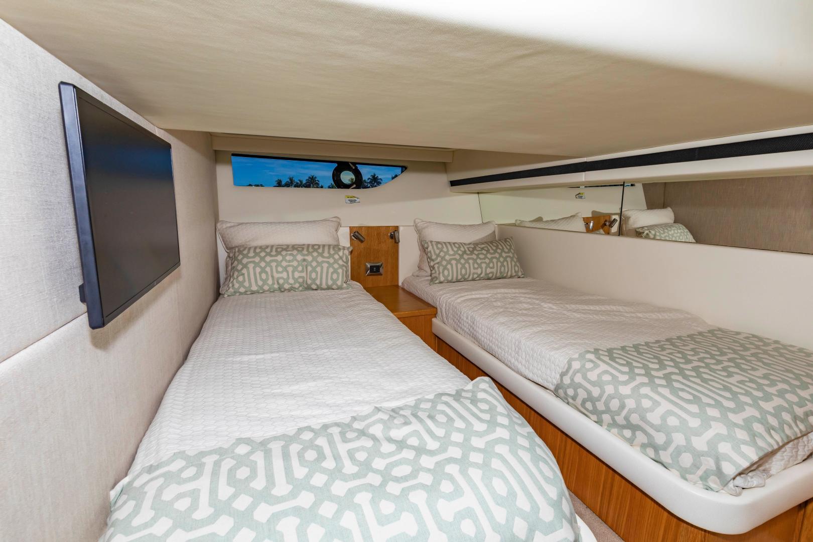 Riviera-395 SUV 2019-Ipanema Miami Beach-Florida-United States-1614913   Thumbnail