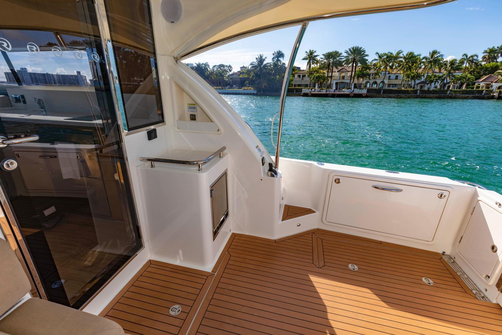 Riviera-395 SUV 2019-Ipanema Miami Beach-Florida-United States-1614890   Thumbnail