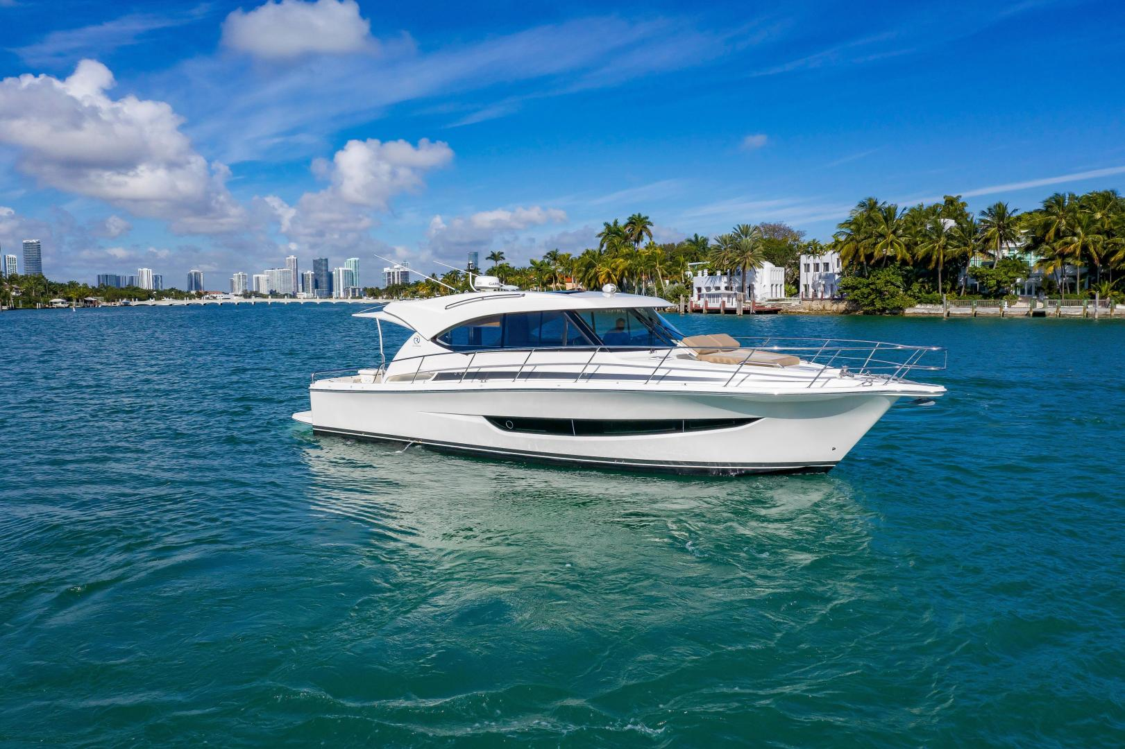Riviera-395 SUV 2019-Ipanema Miami Beach-Florida-United States-1614869   Thumbnail