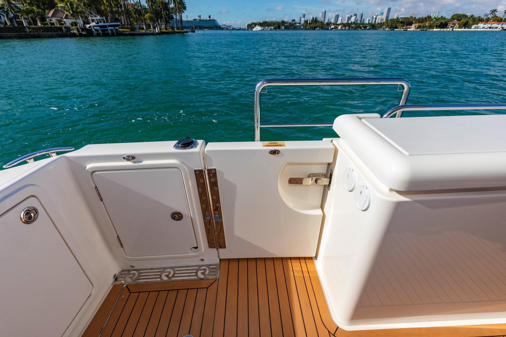 Riviera-395 SUV 2019-Ipanema Miami Beach-Florida-United States-1614892   Thumbnail