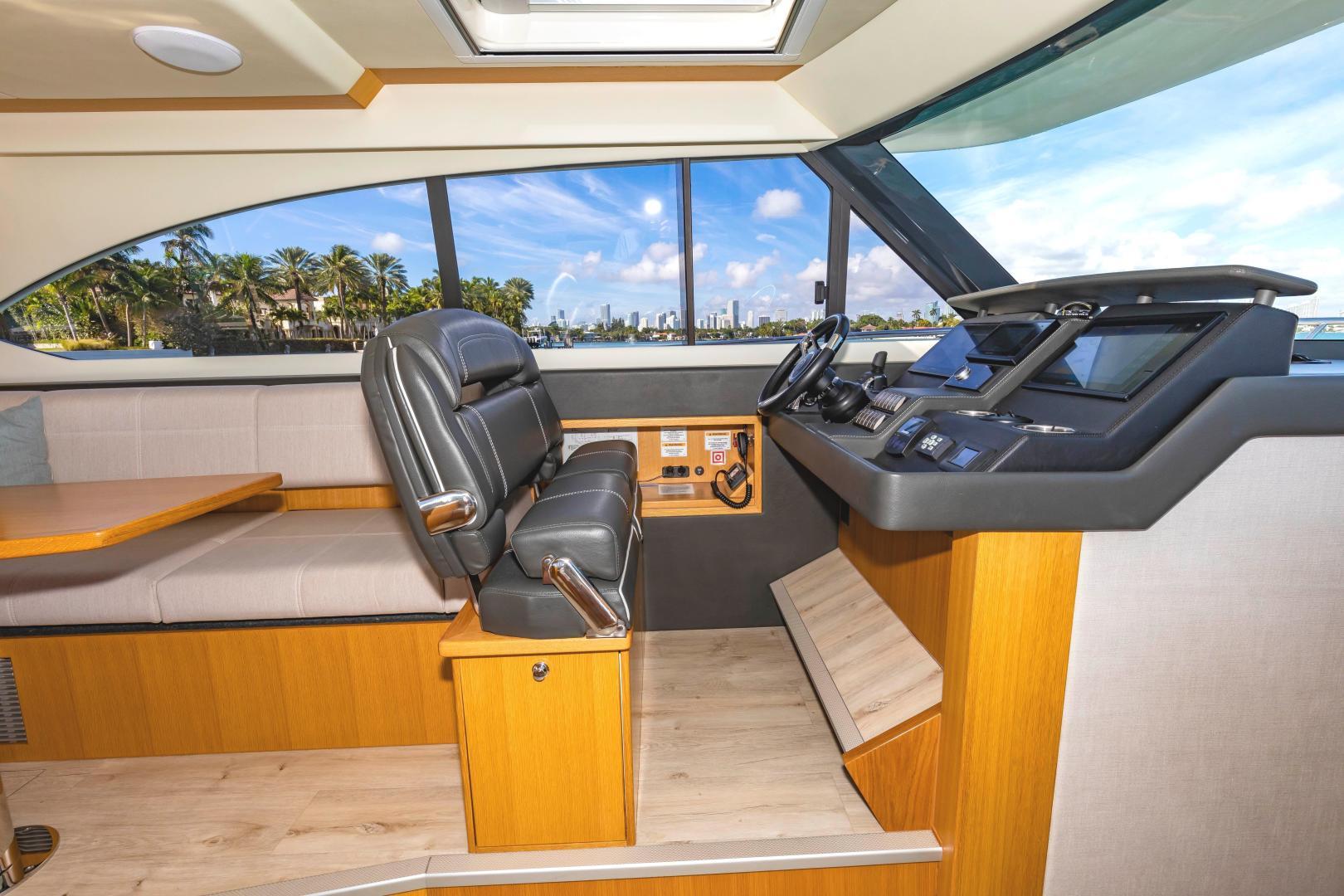 Riviera-395 SUV 2019-Ipanema Miami Beach-Florida-United States-1614905   Thumbnail