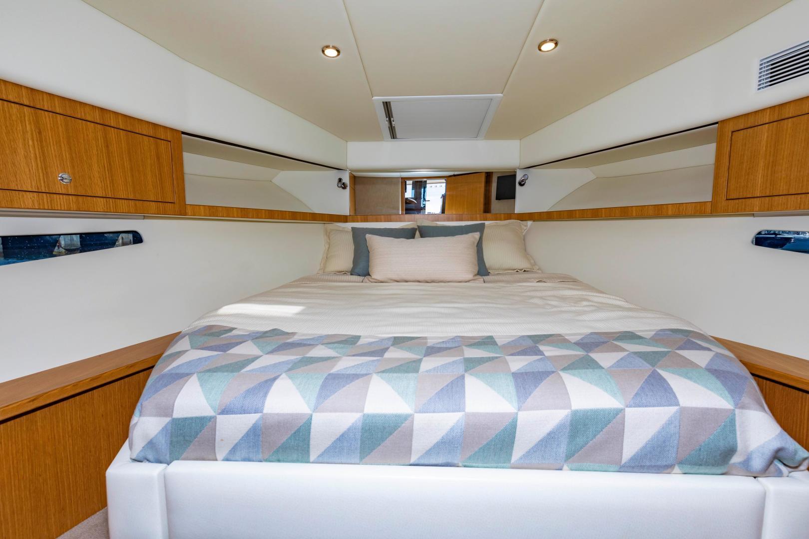 Riviera-395 SUV 2019-Ipanema Miami Beach-Florida-United States-1614908   Thumbnail