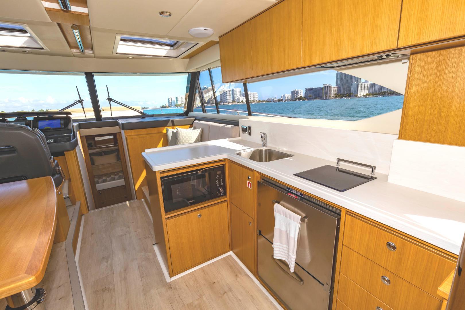 Riviera-395 SUV 2019-Ipanema Miami Beach-Florida-United States-1614900   Thumbnail