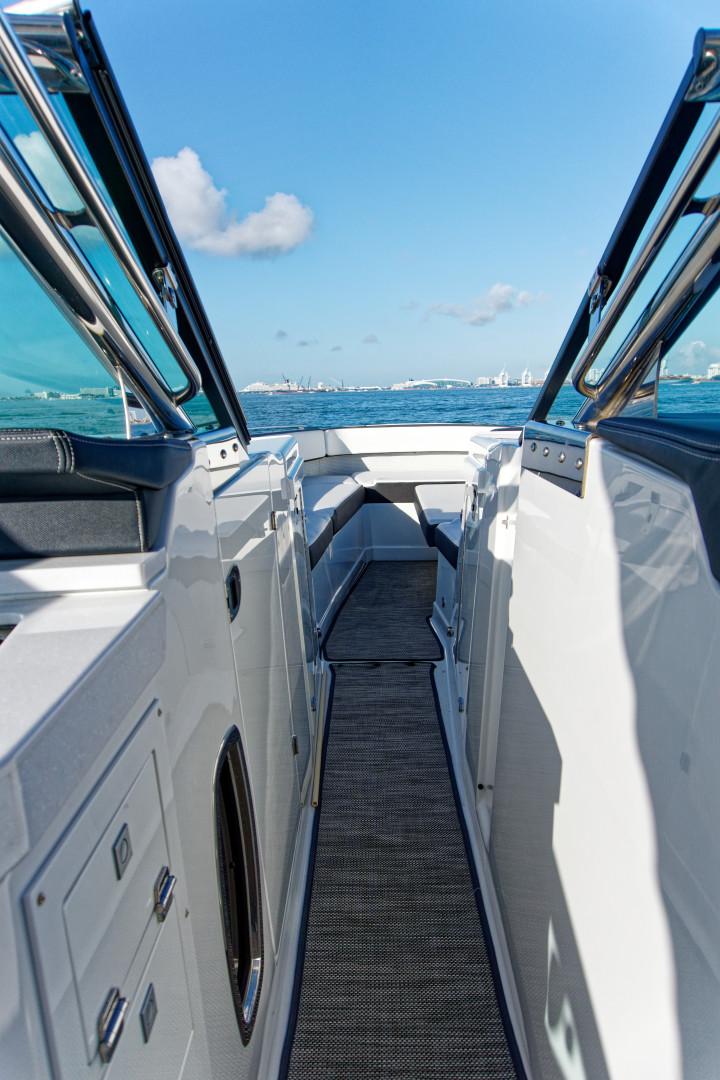 Monterey-378SE 2017 -Miami-Flintshire-United States-1617505   Thumbnail