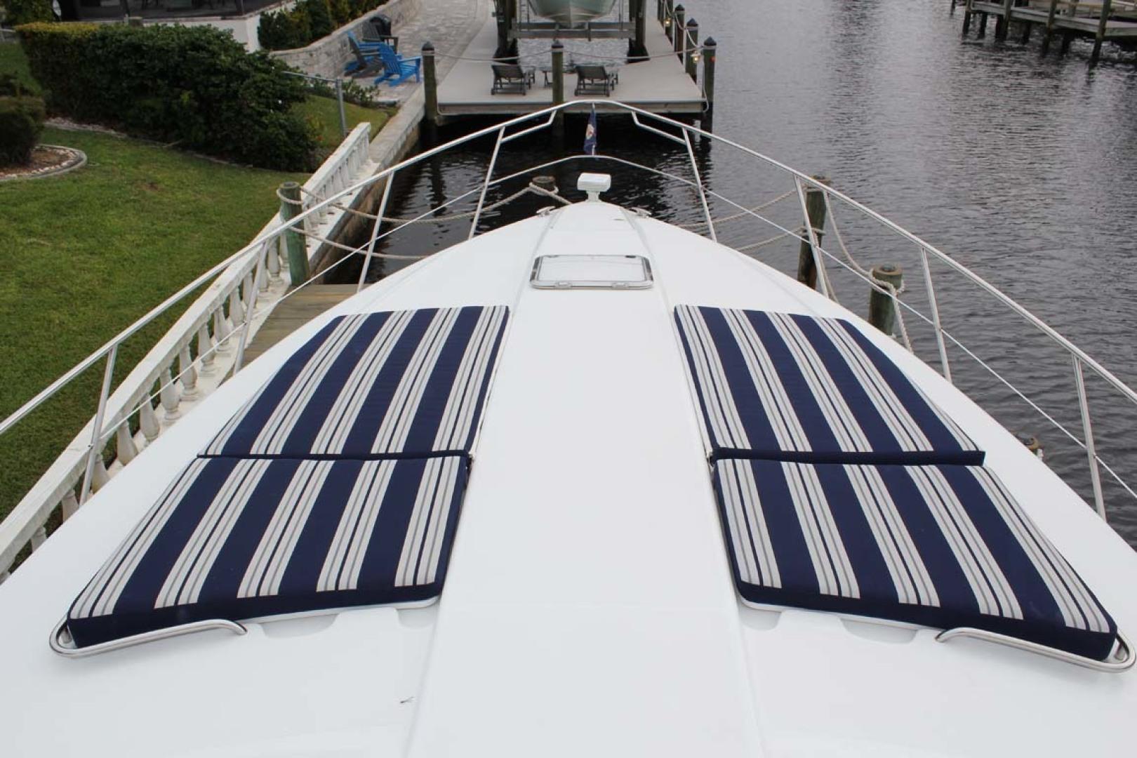 Formula 2009-Mad Hatter Fort Myers-Florida-United States-Bow Cushions-1617540