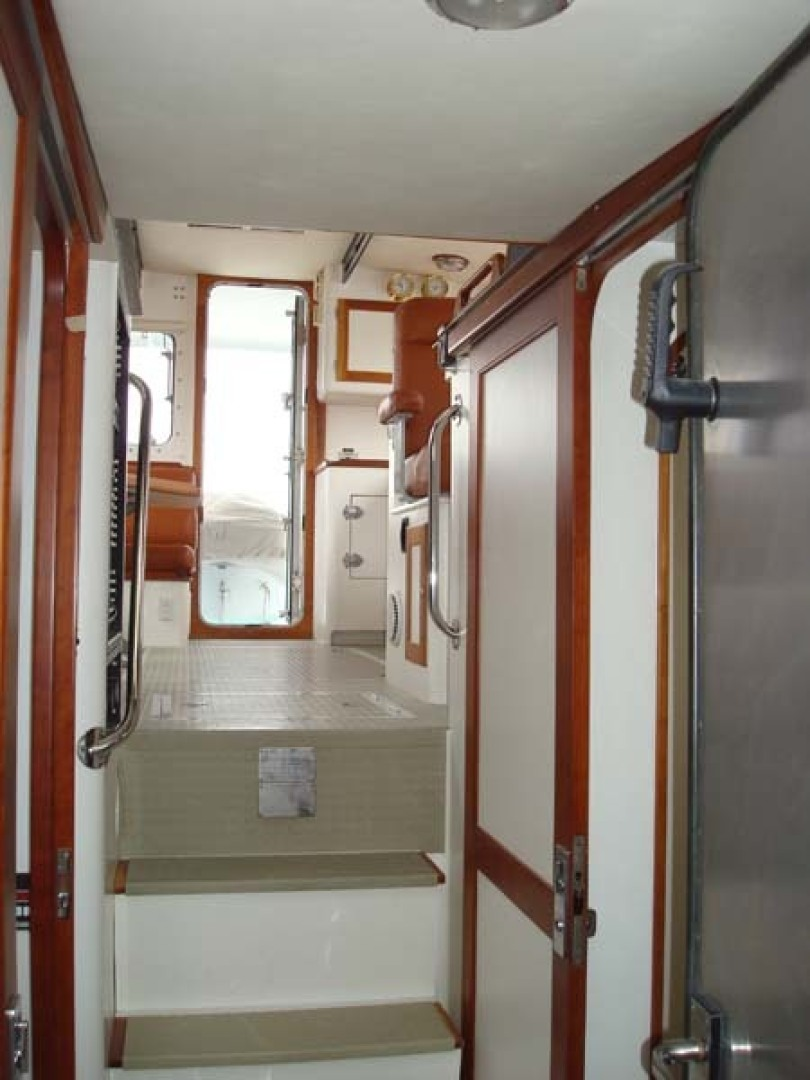 New England Boatworks-Hood Custom Expedition 1998-STARLIGHT Portsmouth-Rhode Island-United States-Looking Aft from Owners Cabin-1627060 | Thumbnail