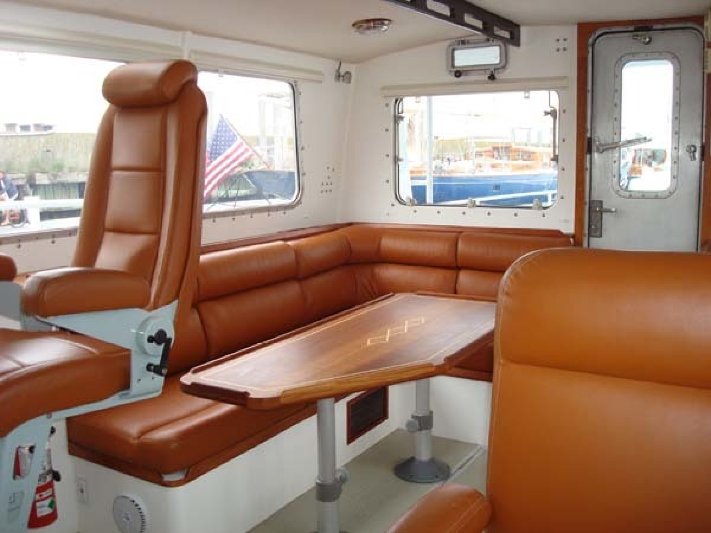 New England Boatworks-Hood Custom Expedition 1998-STARLIGHT Portsmouth-Rhode Island-United States-Pilothouse, Stbd. Side, Looking Aft-1627067 | Thumbnail