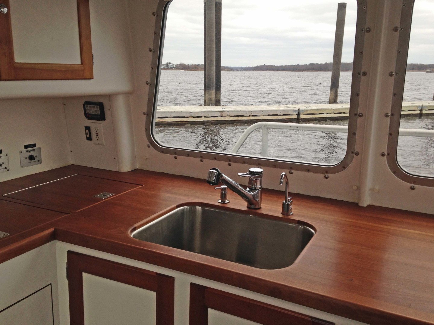 New England Boatworks-Hood Custom Expedition 1998-STARLIGHT Portsmouth-Rhode Island-United States-Galley Counter, Sink-1627052 | Thumbnail