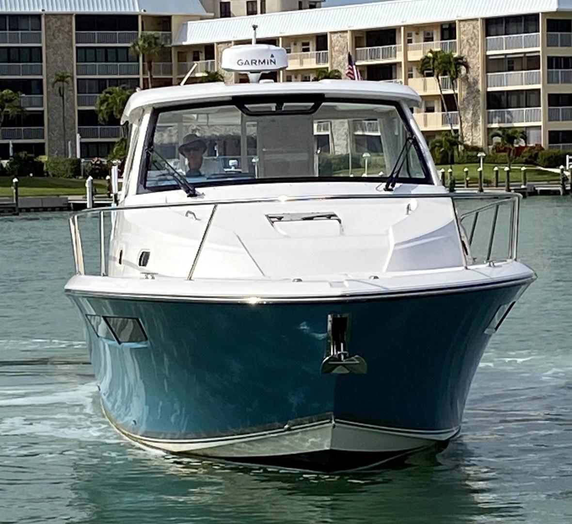 Pursuit-355 Offshore 2000-DUN DOCN Naples-Florida-United States-35 Pursuit Profile Bow-1634744 | Thumbnail