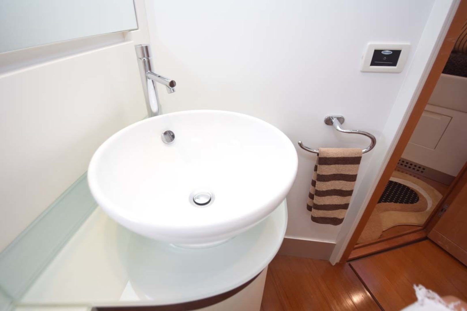 Pershing-62 2007-CHOPIN Lighthouse Point-Florida-United States Ensuite Head V Berth Detail2-1625739 | Thumbnail
