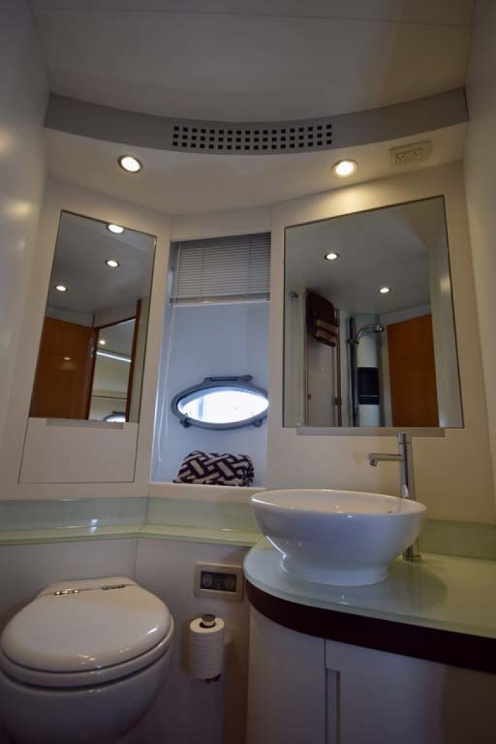 Pershing-62 2007-CHOPIN Lighthouse Point-Florida-United States-Ensuite Head V Berth Detail-1625738 | Thumbnail