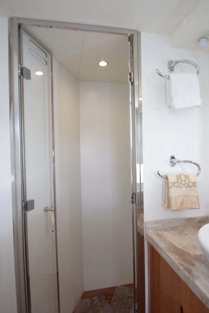 Pershing-62 2007-CHOPIN Lighthouse Point-Florida-United States Main Stateroom Head Shower View-1625734 | Thumbnail