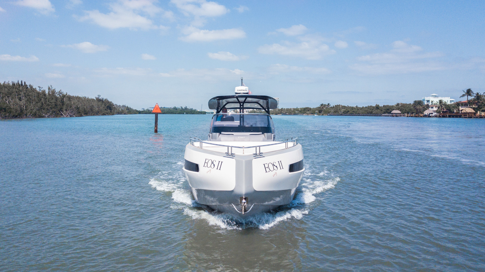 Invictus-370 GT 2018-EOS II Fort Lauderdale-Florida-United States-Bow Profile-1629989 | Thumbnail