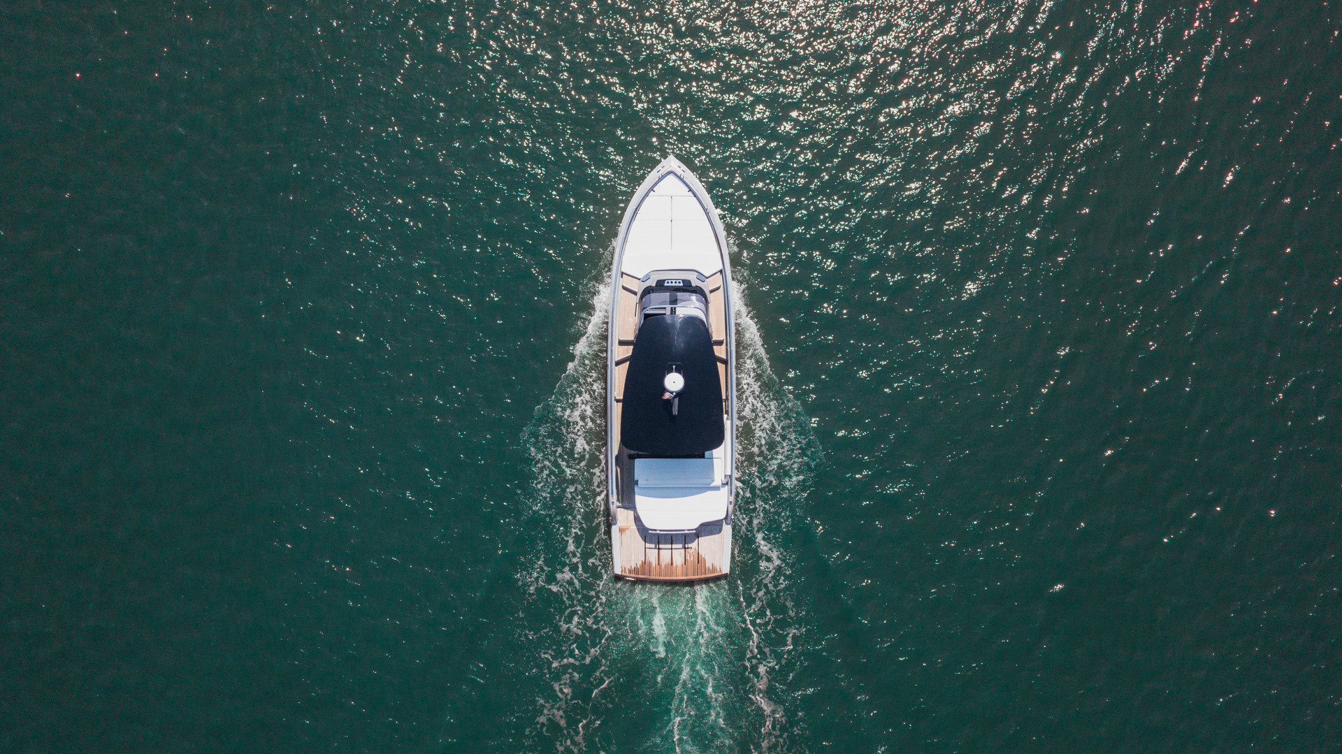 Invictus-370 GT 2018-EOS II Fort Lauderdale-Florida-United States-Arial Profile-1629991 | Thumbnail